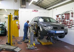 M.D. Groom & Son Car Body Repairs Workshop
